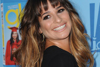 Like-it-or-loathe-it-lea-michele-two-toned-hair-color-side